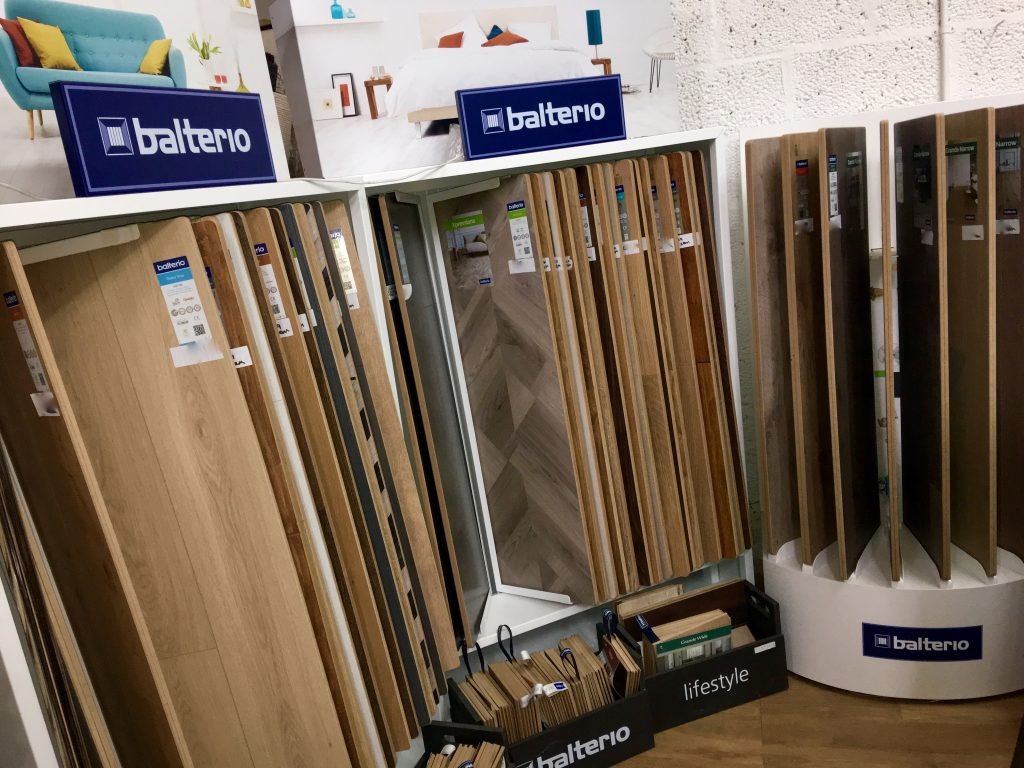 wood flooring stands